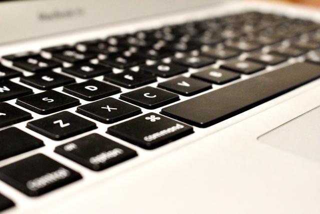 【レビュー】コスパ良し!ワイヤレスキーボード&静音マウスを紹介